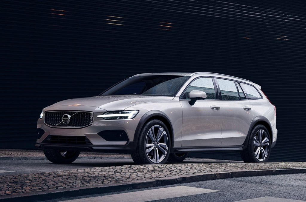 VolvoV60CrossCountry-26092018-01.jpg